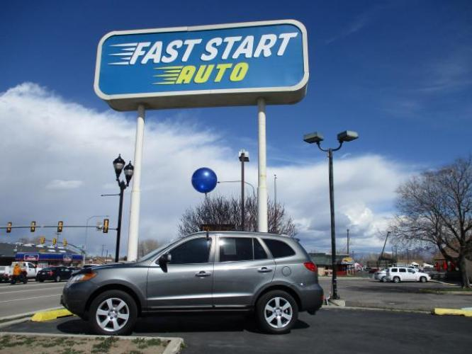 2009 Gray Hyundai Santa Fe (5NMSH13E49H) with an V6 3.3 Liter engine, Automatic, 5-Spd w/Overdrive and Shiftronic transmission, located at 7755 S State, Midvale, UT, 84047, (801) 753-9063, 40.610210, -111.889877 - Photo #0