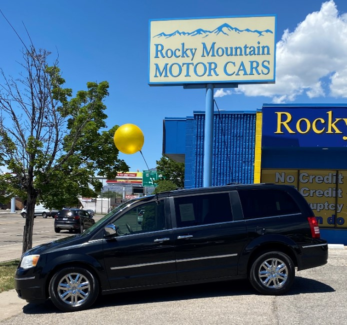 2009 Black Chrysler Town and Country (2A8HR64X39R) with an V6 4.0 Liter engine, Automatic, 6-Spd w/Overdrive transmission, located at 344 Washington Rd, Ogden, UT, 84404, (801) 399-1799, 40.727280, -79.093086 - Photo #0